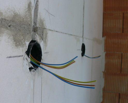 Unterputz-Installation bei einer Wohnanlage