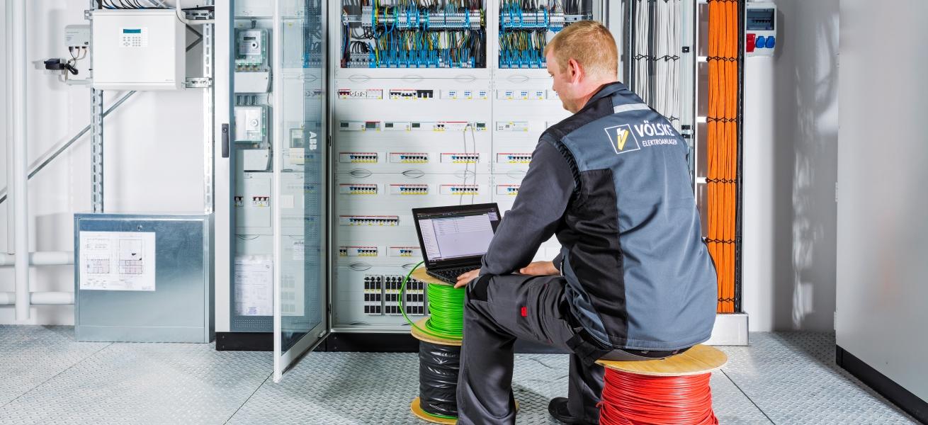 Karriere als Elektroniker für Gebäudesystemintegration - Völske Elektro-Anlagen